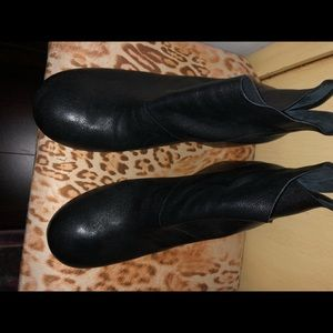 Black soft leather ankle boots from Barneys size40